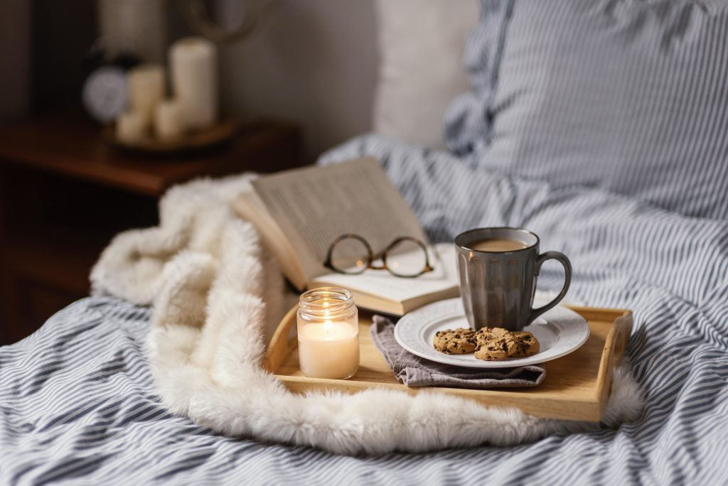 Affordable Cozy Fall Decor For Living Room In 2021   Plantiful Interiors